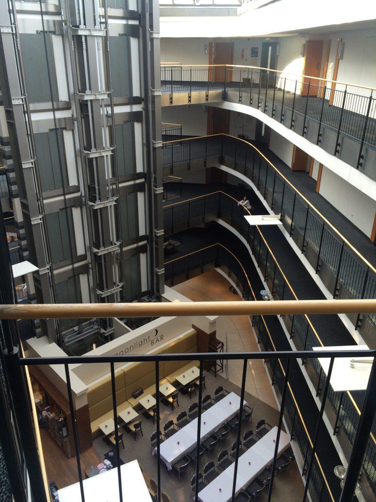 Blick auf die Hotelbar